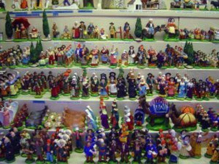 Souvent Les santons de Provence, figurines indispensables de la crèche de Noël HP33